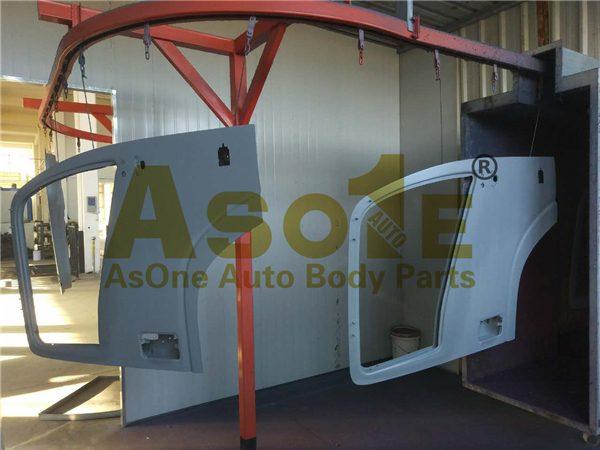 AO-IZ02-102-A-TRUCK-DOOR-02