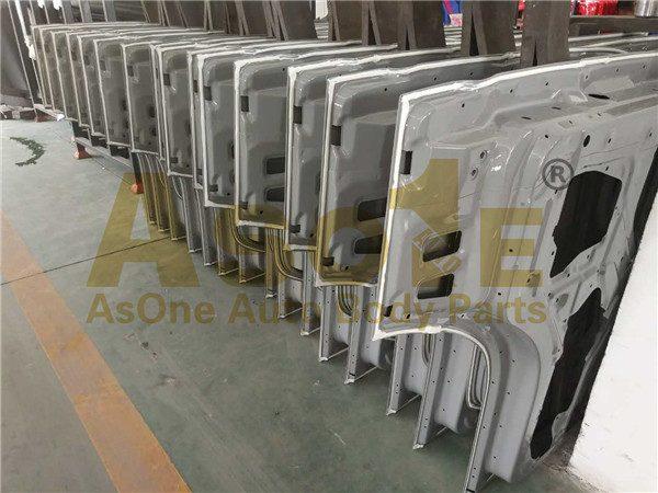 AO-IZ01-104 TRUCK DOOR SHELL 02